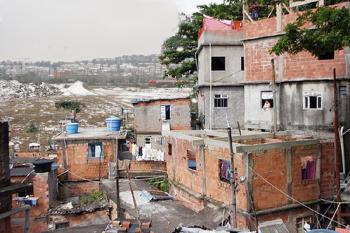 https://www.charlotte-traum.de:443/files/gimgs/th-12_12_favelabracheweb3.jpg
